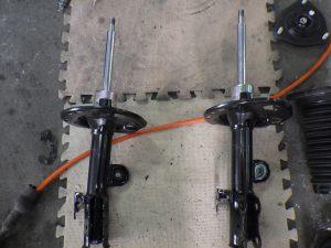 ハリアーモデリスタ フロントバンパー交換・右フロントサスペンション交換