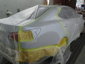 レクサスIS 右リヤフェンダー・リヤバンパー修理塗装